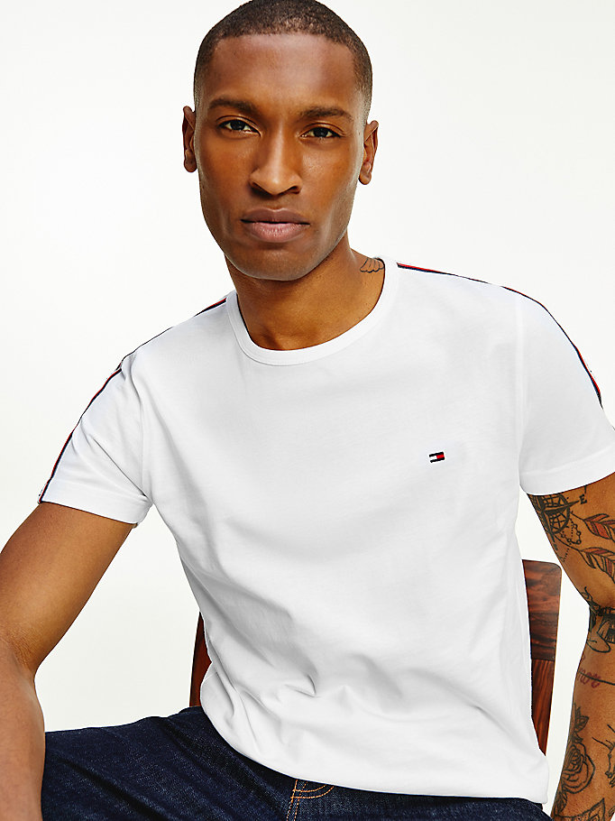 t-shirt iconica in cotone biologico bianco da men tommy hilfiger