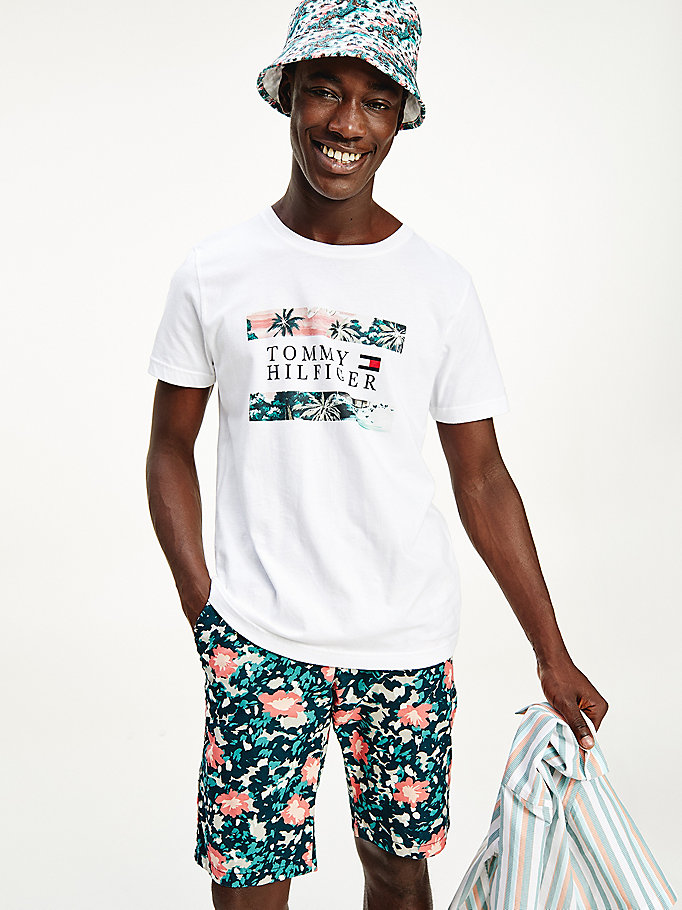 t-shirt in cotone con stampa hawaiana bianco da men tommy hilfiger