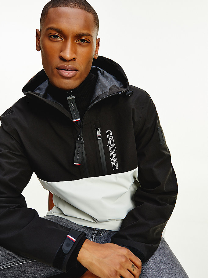 schwarz th signature popover-jacke in color block für men - tommy hilfiger