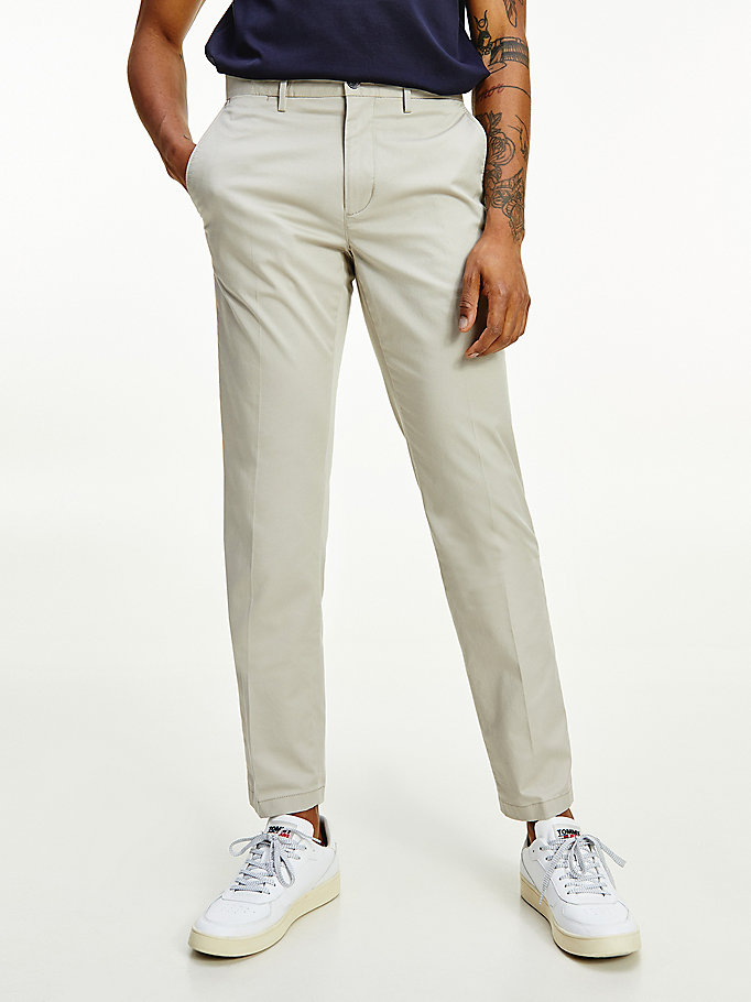 beige denton straight fit th flex chinos für men - tommy hilfiger
