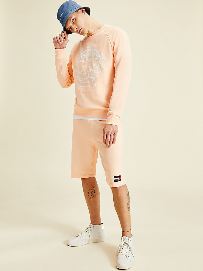 roze one planet sweatshirt met logo voor men - tommy hilfiger
