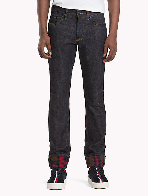 HILFIGER COLLECTION Slim Fit Jeans mit kariertem Krempelsaum - RAW INDIGO - HILFIGER COLLECTION TOMMY NOW HERREN - main image