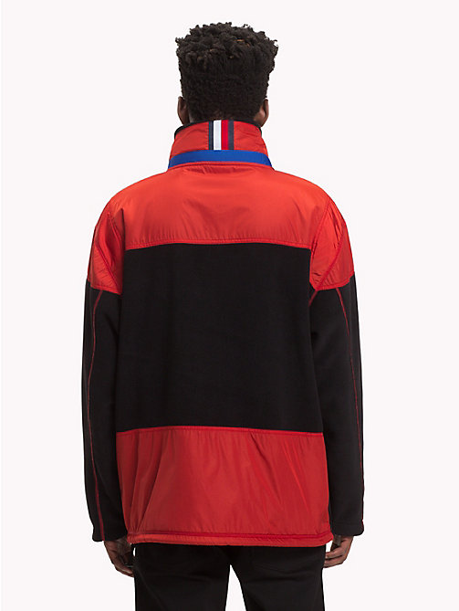 HILFIGER COLLECTION Sudadera anorak con diseño color block - JET BLACK - HILFIGER COLLECTION TOMMY NOW HOMBRE - imagen detallada 1