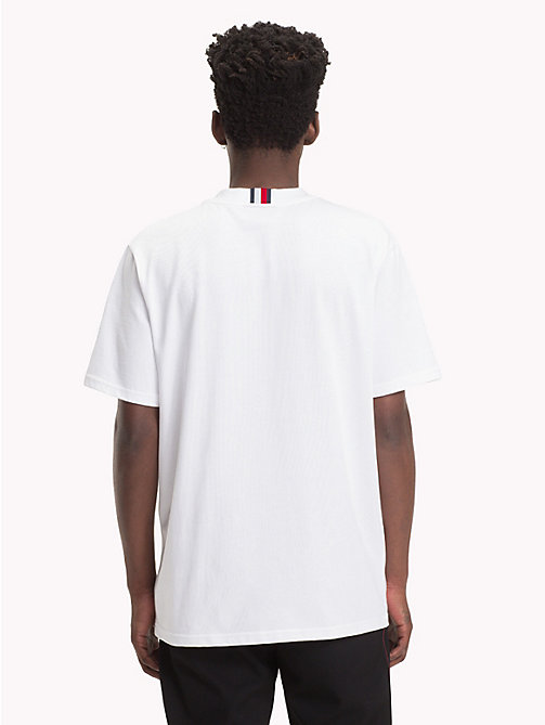 HILFIGER COLLECTION T-shirt con stemma applique a quadri - BRIGHT WHITE - HILFIGER COLLECTION TOMMY NOW UOMO - dettaglio immagine 1