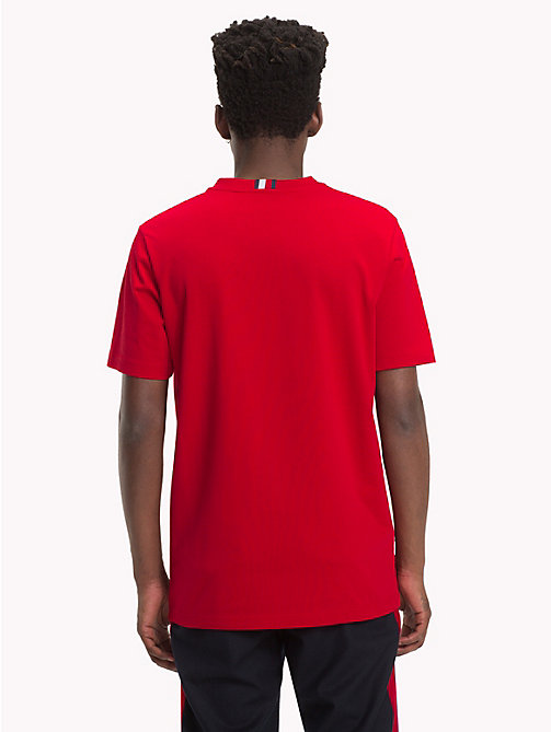 HILFIGER COLLECTION T-Shirt mit Streifenwappen - BARBADOS CHERRY - HILFIGER COLLECTION TOMMY NOW HERREN - main image 1