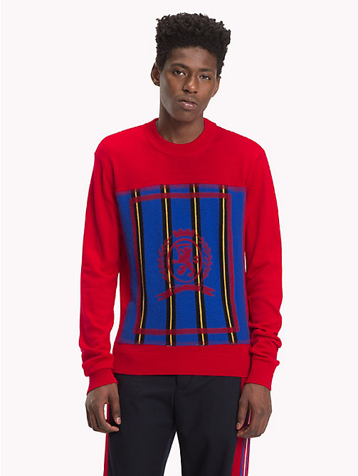 HILFIGER COLLECTION Wappen-Pullover mit Rundhalsausschnitt - BARBADOS CHERRY - HILFIGER COLLECTION TOMMY NOW HERREN - main image
