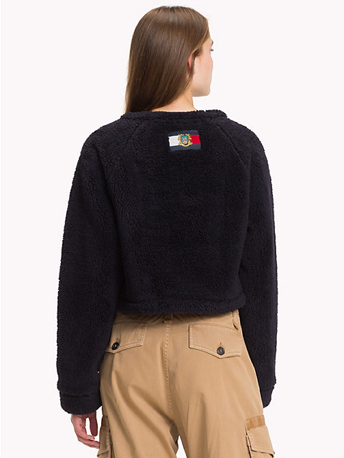 HILFIGER COLLECTION Cropped Fleece Flag Sweatshirt - DEEP WELL - HILFIGER COLLECTION TOMMY NOW WOMEN - detail image 1