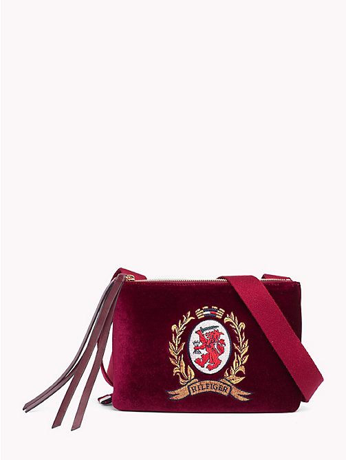 HILFIGER COLLECTION Sac écusson à double zip - CABERNET - HILFIGER COLLECTION TOMMY NOW FEMMES - image principale