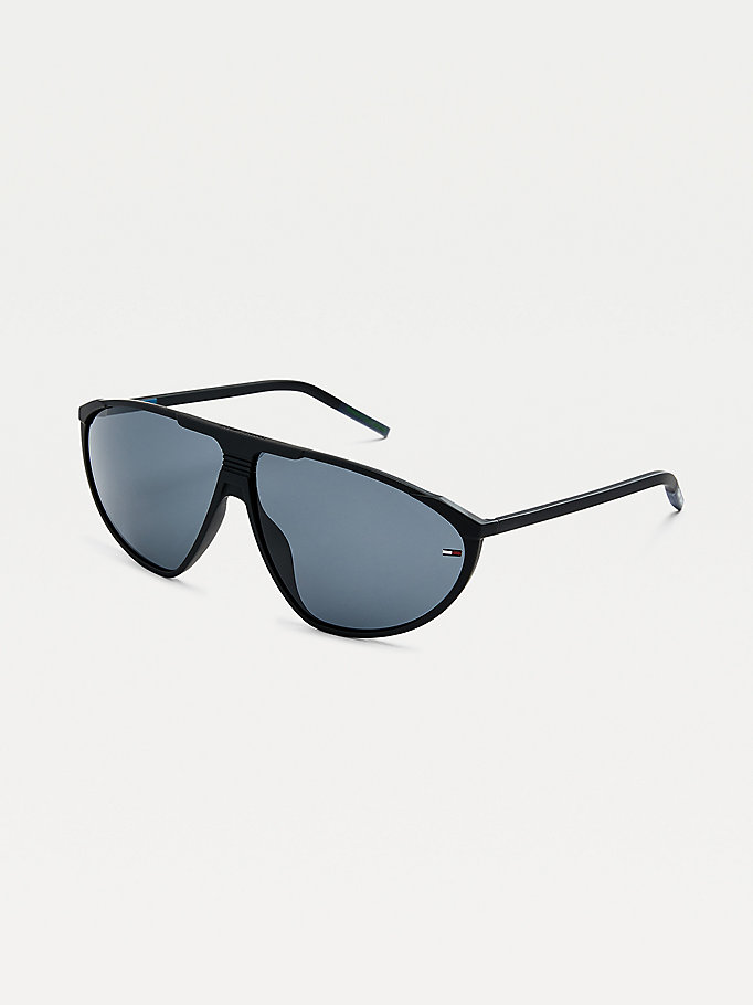 black triangular sunglasses for unisex tommy jeans