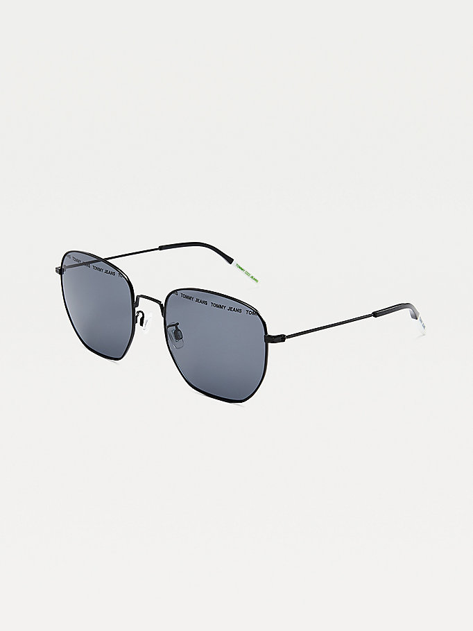 black navigator style sunglasses for unisex tommy jeans