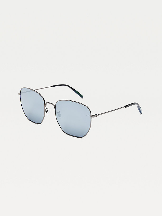 grey navigator style sunglasses for unisex tommy jeans