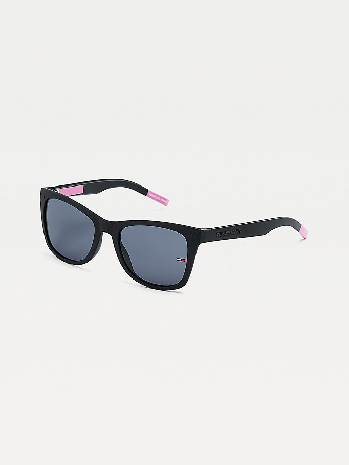 black square sunglasses for unisex tommy jeans