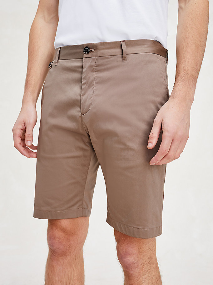 brown th flex essential slim fit shorts for men tommy hilfiger