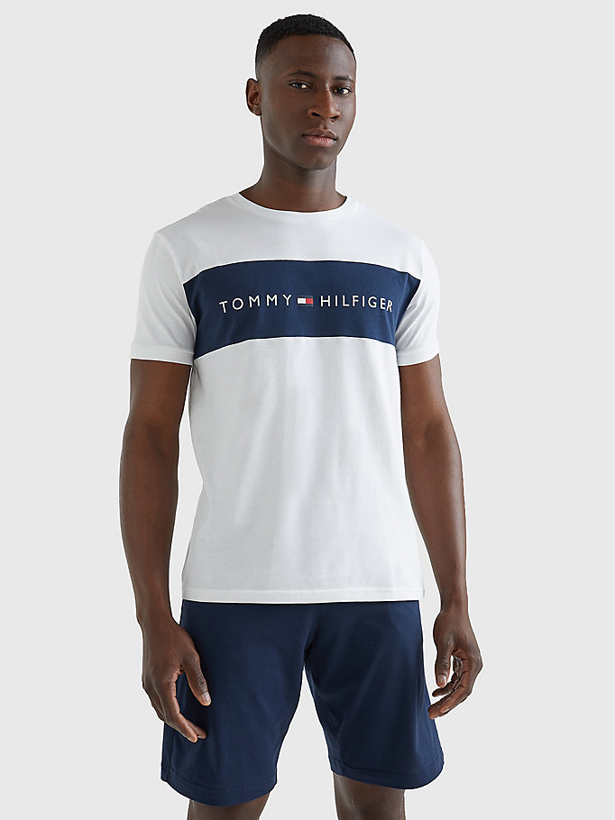 white flag logo crew neck t-shirt for men tommy hilfiger