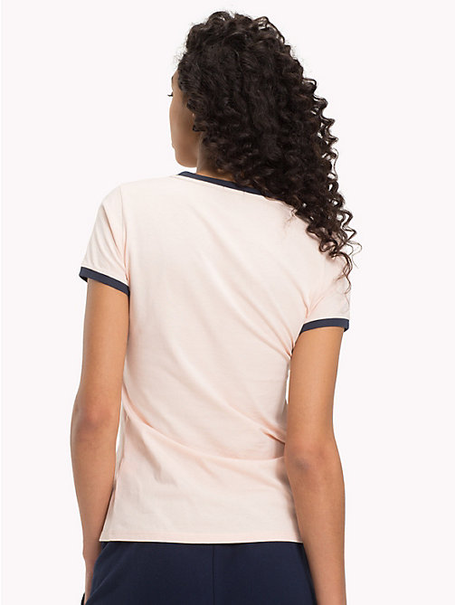 TOMMY HILFIGER Camiseta con logo - PALE BLUSH - TOMMY HILFIGER Sustainable Evolution - imagen detallada 1
