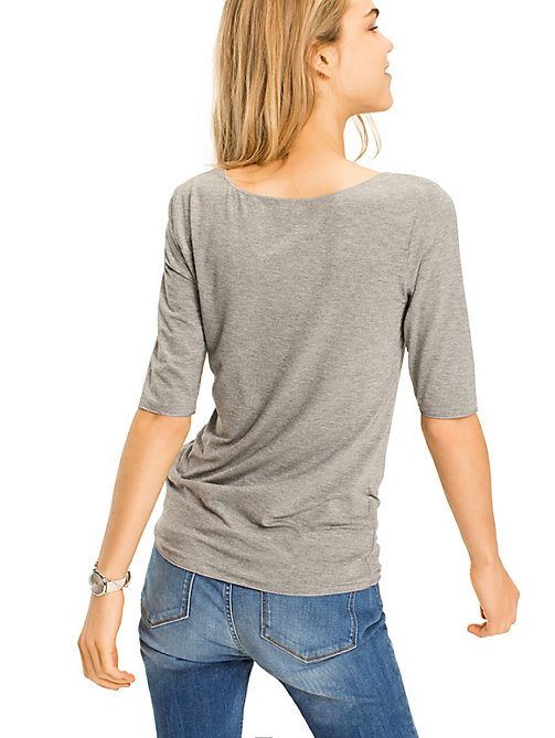 TOMMY HILFIGER T-shirt met diepe hals - MEDIUM GREY HTR - TOMMY HILFIGER Tops - detail image 1