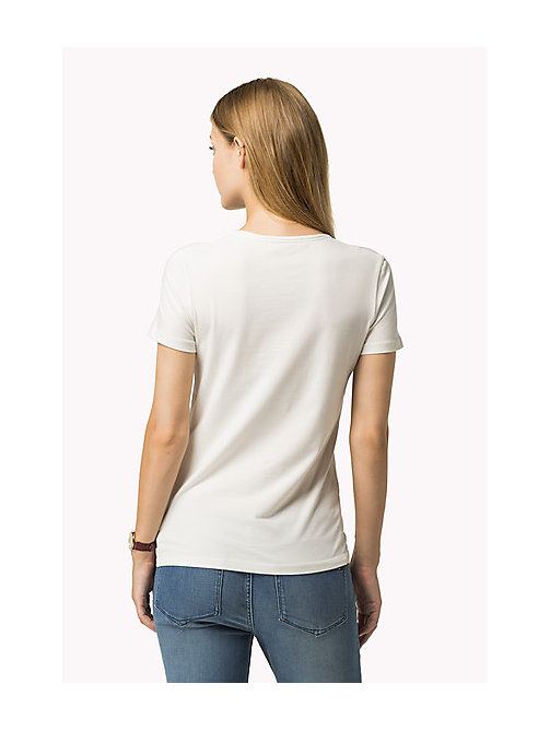 TOMMY HILFIGER Essential V-Neck Organic Cotton Top - SNOW WHITE - TOMMY HILFIGER Sustainable Evolution - detail image 1