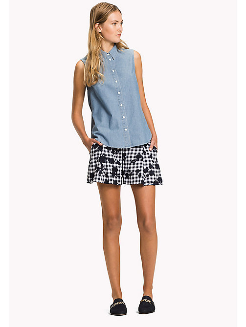 TOMMY HILFIGER Ärmelloses Chambray-Shirt in Denim-Optik - MIFFY -  Urlaubs-Styles - main image