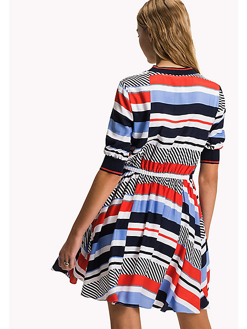 TOMMY HILFIGER Bedrucktes Kleid mit Branding - SPEED PATCHWORK STP / BLACK BEAUTY - TOMMY HILFIGER Midi - main image 1