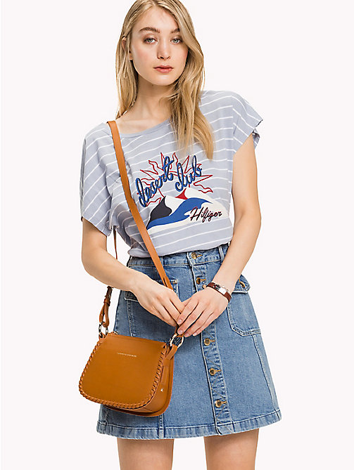 TOMMY HILFIGER Gestreiftes T-Shirt mit Desert-Club-Print - EVENTIDE / CLASSIC WHITE STP - TOMMY HILFIGER Sustainable Evolution - main image