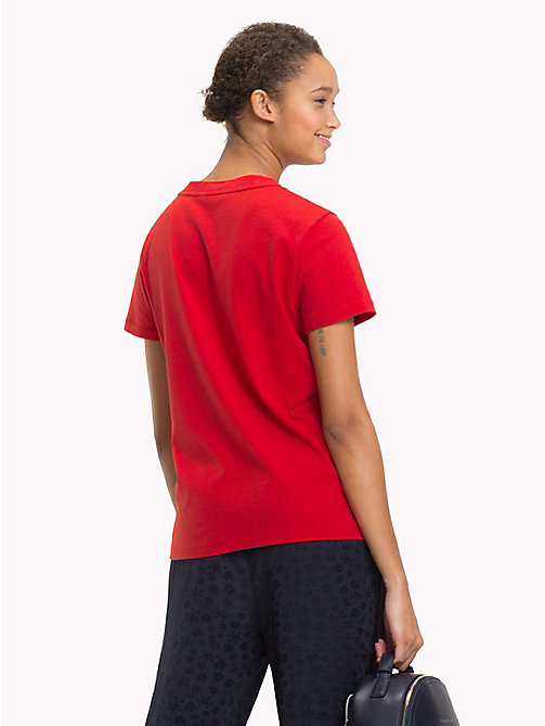TOMMY HILFIGER Signature Logo Round Neck T-Shirt - POMPEIAN RED - TOMMY HILFIGER T-Shirts - detail image 1