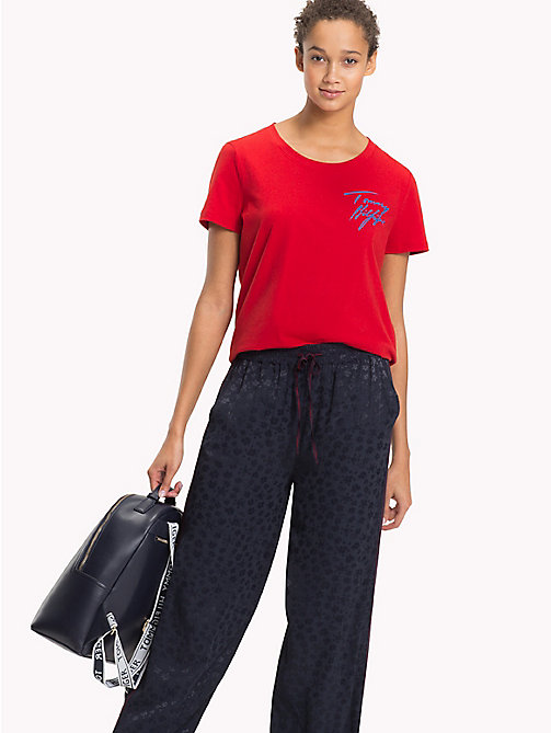 TOMMY HILFIGER Signature Logo Round Neck T-Shirt - POMPEIAN RED - TOMMY HILFIGER T-Shirts - main image