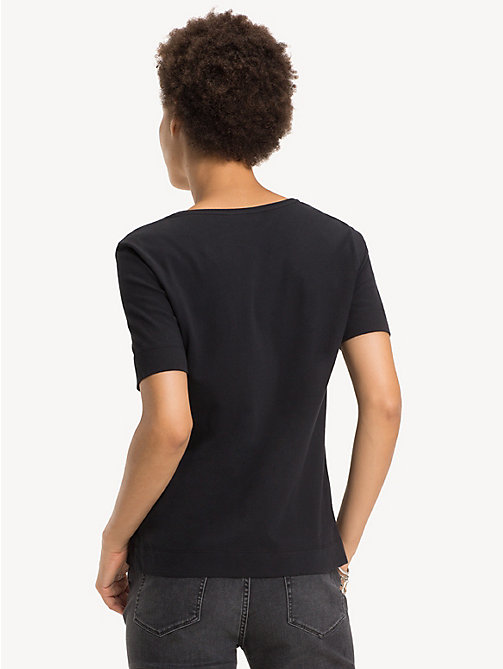 TOMMY HILFIGER Organic Cotton V-Neck Top - BLACK BEAUTY - TOMMY HILFIGER Sustainable Evolution - detail image 1