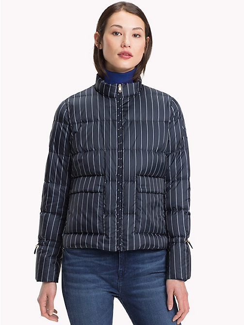 TOMMY HILFIGER Verstaubare Puffer-Jacke - PINSTRIPE CW / SKY CAPTAIN - TOMMY HILFIGER Sustainable Evolution - main image