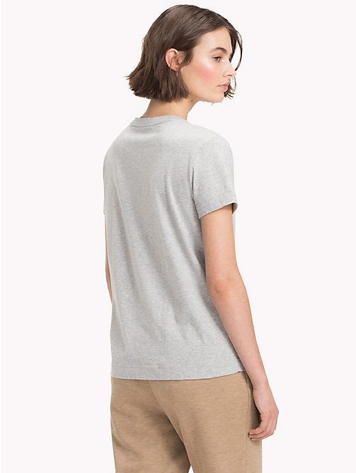 TOMMY HILFIGER T-Shirt mit Slogan - LIGHT GREY HTR / BL. BEAUTY - TOMMY HILFIGER NEW IN - main image 1