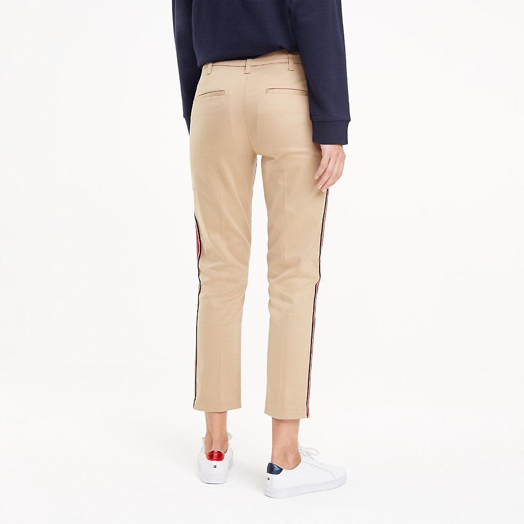 Tommy Hilfiger - Pantalón chino con cinta distintiva - 2