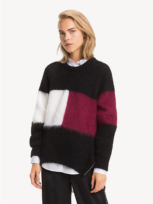 TOMMY HILFIGER Sweter Tommy Icons z flagą - BLACK BEAUTY / MULTI -  TOMMY ICONS - main image