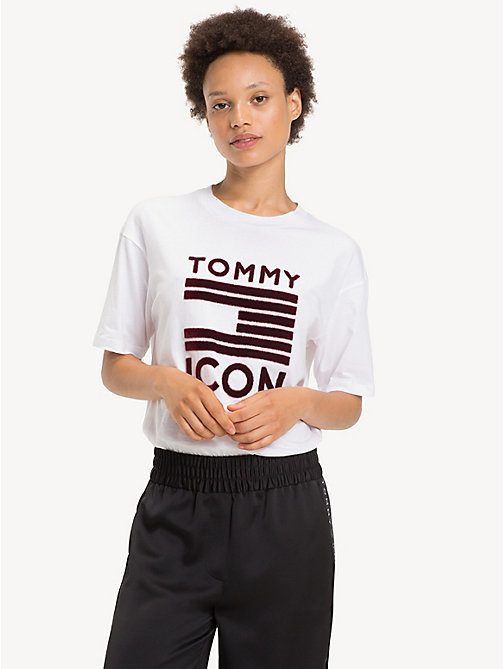 TOMMY HILFIGER Tommy Icons Flag T-Shirt - CLASSIC WHITE - TOMMY HILFIGER Clothing - main image
