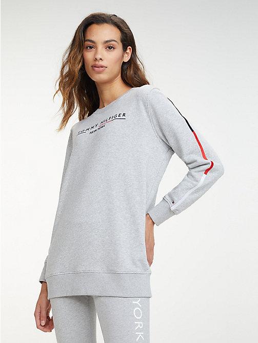 400e5d0b TOMMY HILFIGEREssential Logo Sweatshirt. €109.00. NEW