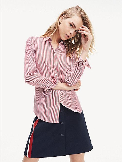 69c9d4c21ca5c3 red dopasowana koszula essential z bawełny organicznej dla kobiety - tommy  hilfiger