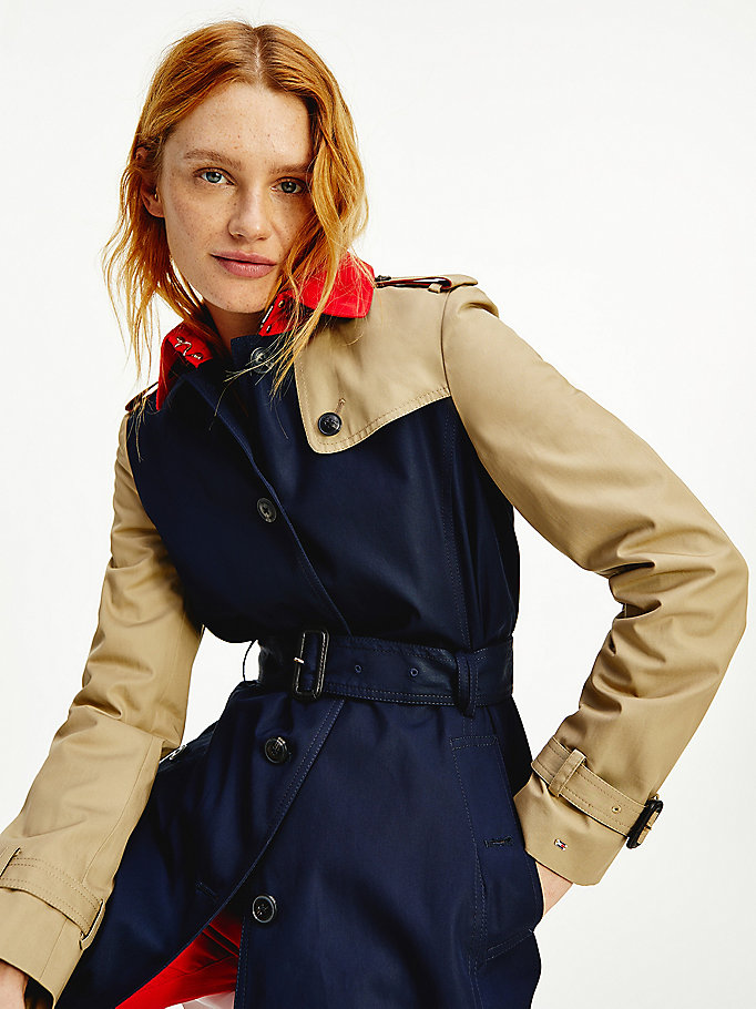 blauw colour-blocked trenchcoat met ceintuur voor dames - tommy hilfiger